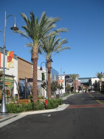 temecula_apple_street_scene
