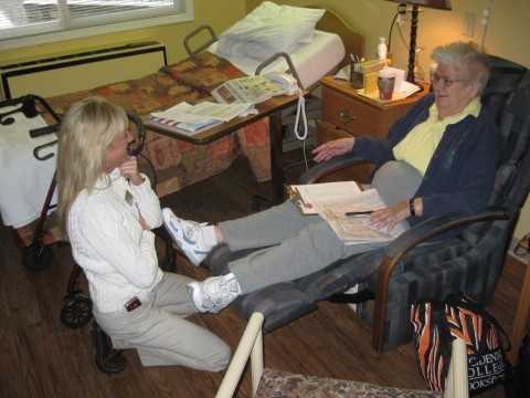 Mom discusses dialysis with Cindy Kump